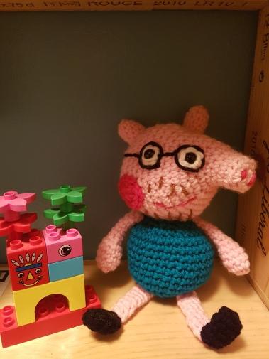 Crochet Family: Daddy Pig,Mummy Pig, Peppa & George | Filtning ... | 505x379